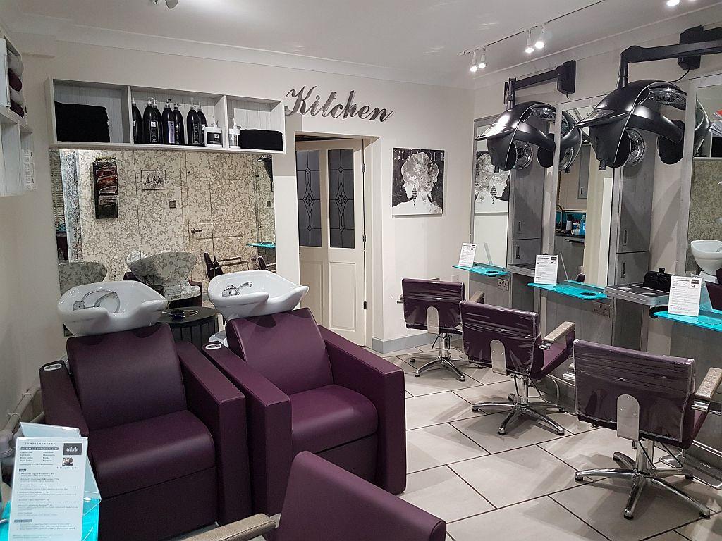 Cabelo unisex hairdressing salon