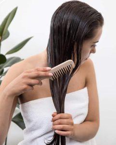 cronograma capilar para cabelo liso e usar pente de madeira