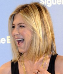 Jennifer-Aniston-lob-2