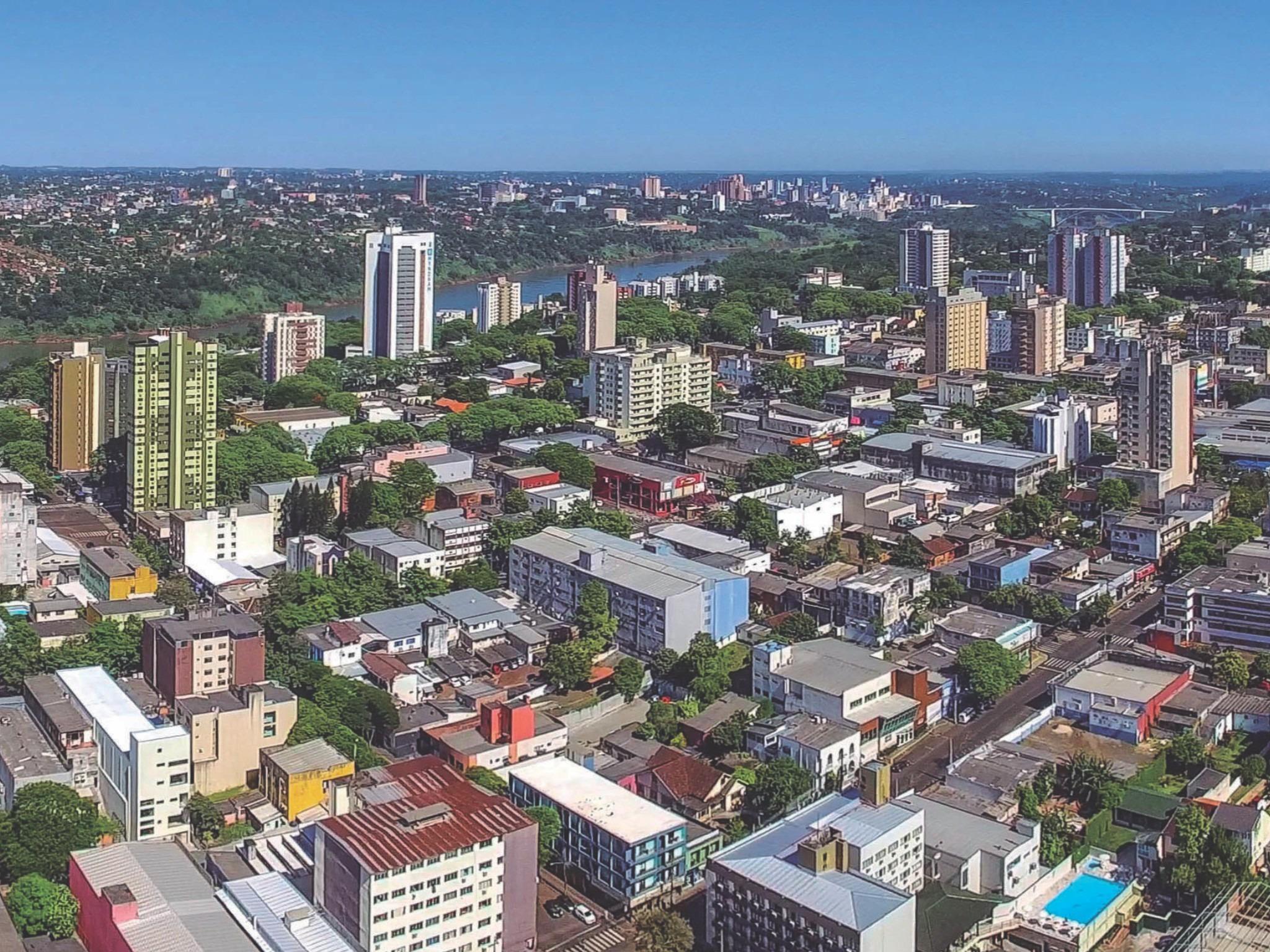 Foz do Iguaçu perdeu mais de 1,3 mil empregos formais no mês de ...