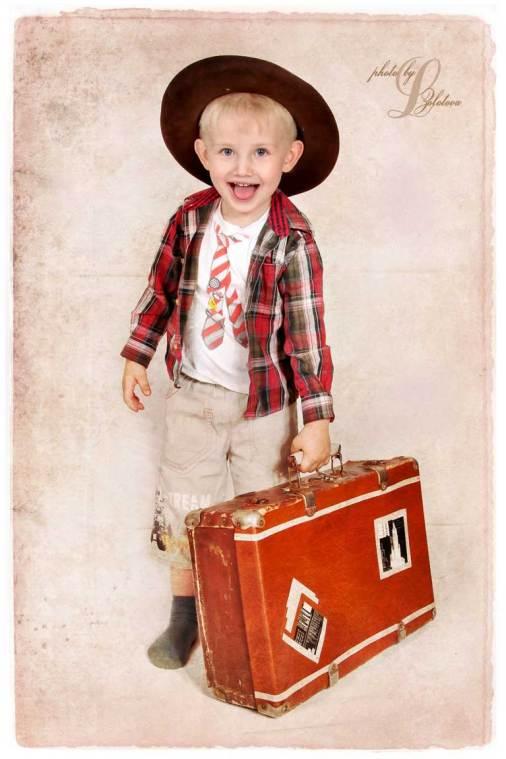 ребенок,чемодан,студийное,портфолио,фото