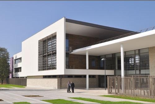 Lycée Champlain à Chenn. S/Marne