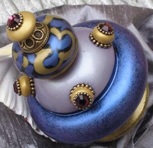 Susan Goldstick Finials Banister Tiki -Shell/Black/Periwinkle/Light Gold
