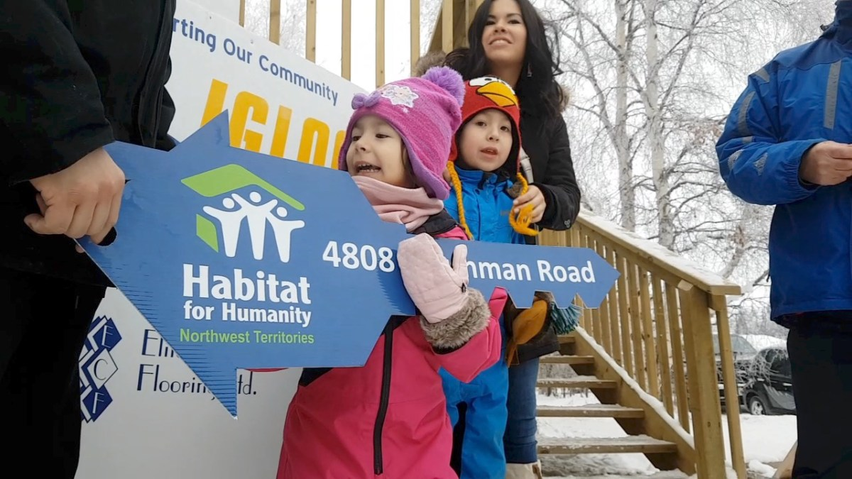 Habitat for Humanity NWT hands new home to Yellowknife family