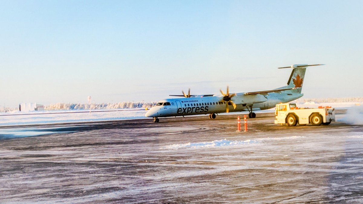Calgary snowstorm strands visitors in Yellowknife for days