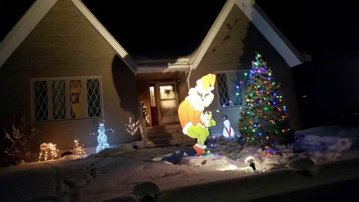 Yellowknife Christmas lights: Johnson Crescent