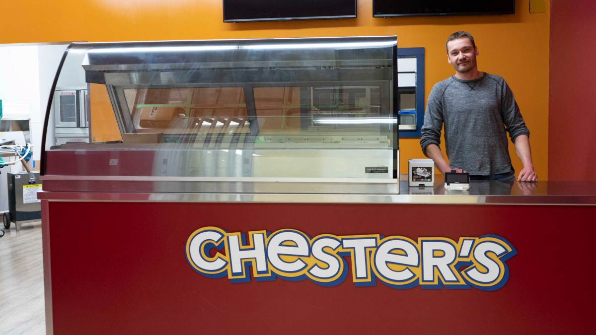 Chester's Chicken franchise coming to Hay River