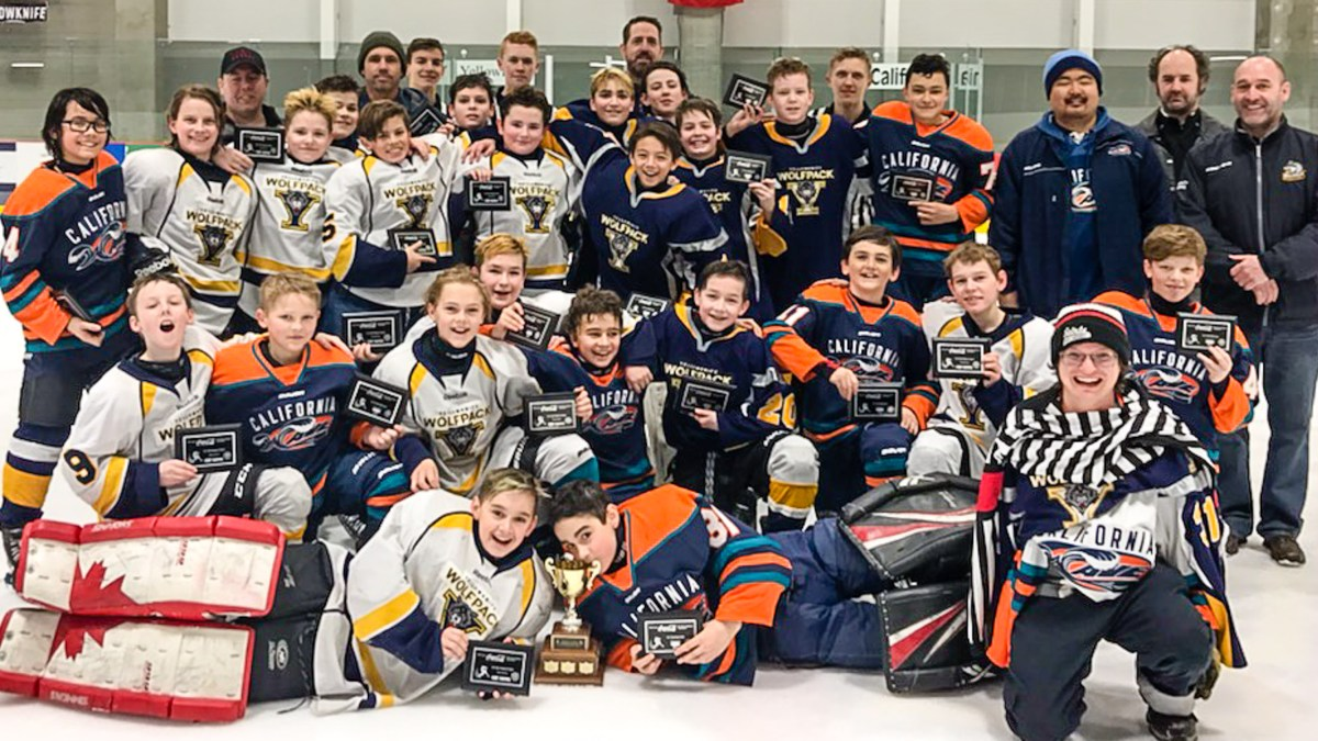 YK team rescues California rivals at hockey tournament
