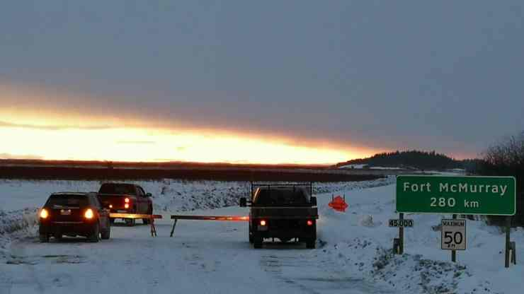 A photo of the checkpoint set up on the winter road to Fort Chipewyan. Photo: Mikisew Cree First Nation Facebook page