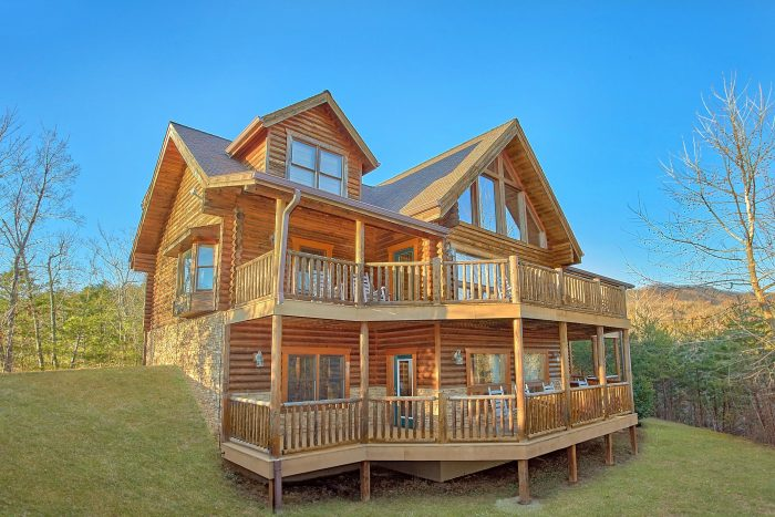 "royal vista"" luxury 6-bedroom gatlinburg cabin rental"