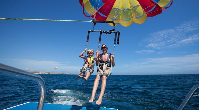 cabo-parasailing-kid