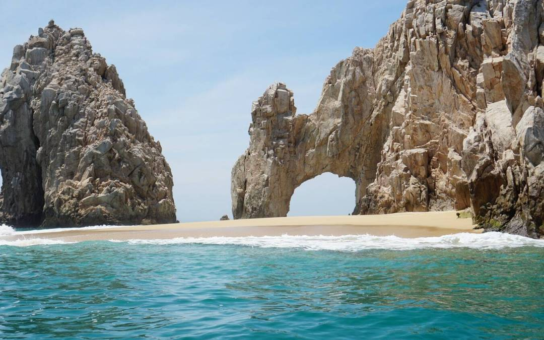 Cabo St Lucas is the perfect spring break destination. Prepare for your trip by packing early! Read on for 5 must haves in your suitcase.