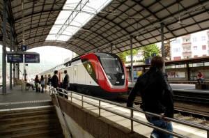 Designskizze neuer Fernverkehr-Doppelstockzug TWINDEXX der SBB. Foto: Rendering Bombardier, Copyright ©2011: SBB CFF FFS