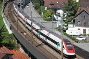 Werden ab 2020 auch am künftigen Urner Kantonsbahnhof Altdorf Halt machen: Die InterCity-Züge am Gotthard (Symbolbild)