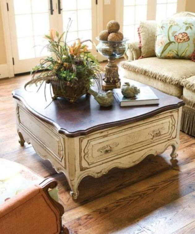 French Country Decor Ideas - Shabby Chic Wooden Coffee Table - Cabritonyc.com