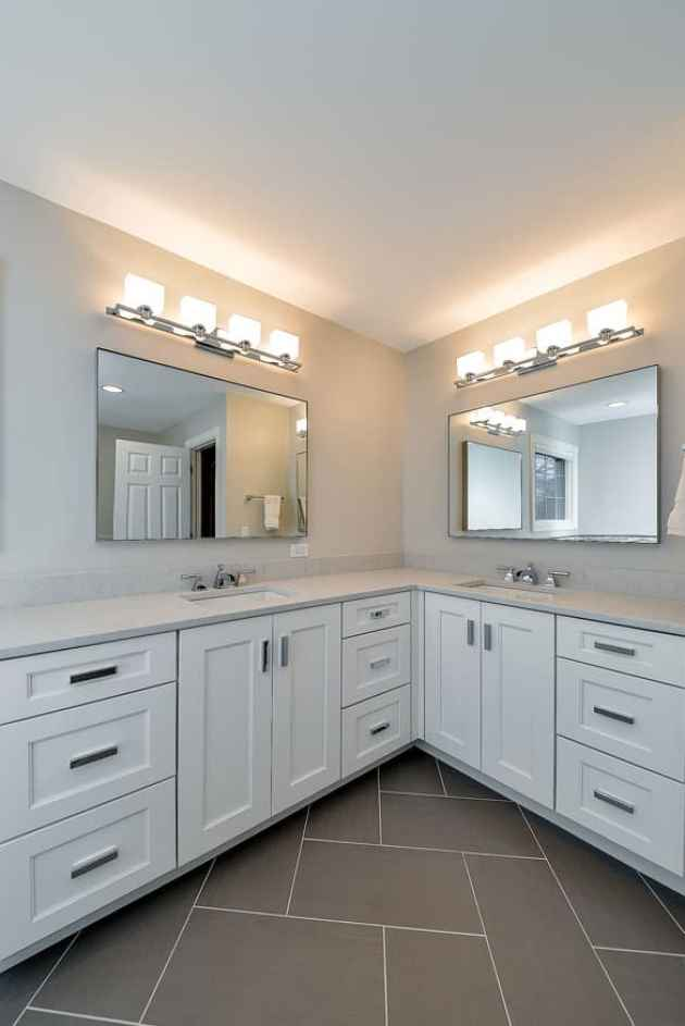 Choosing the Right Size for Your Bathroom Mirrors Ideas 1
