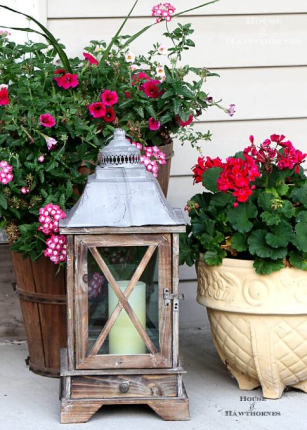Farmhouse Porch Decorating Ideas - Colonial Style Wooden Porch Lantern - Cabritonyc.com