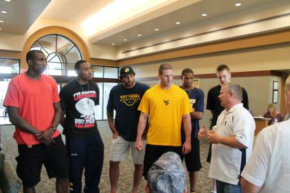 Zach-Miracle-81-Zach-with-WVU-Basketball-Team-at-HealthSouth-2012-07-19
