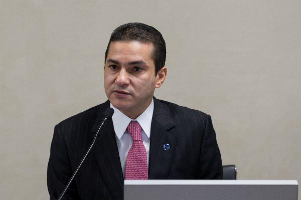 Ministro lançou catálogo de empresas brasileiras com potencial exportador. Book faz parte do projeto Chama Empreendedora, da Associação Comercial do Rio de Janeiro