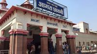 Private Transfer Agra Airport Or Agra Railway Station to Hotel or Return Journey With Driver
