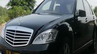 Private Luxury Agra to Delhi Transfer by BMW or Mercedes