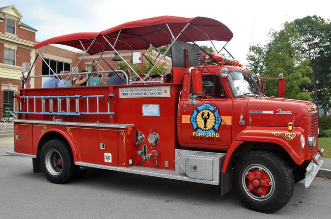 Portland Maine tours - Vintage Fire Engine Tour