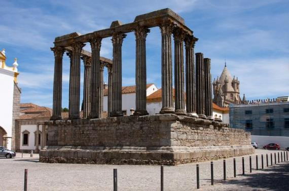 Private Tour to Arraiolos and Evora - UNESCO World Heritage City