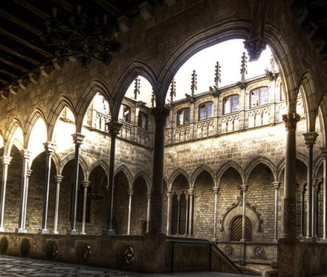 Old Town And Gothic Quarter Guided Walking Tour In Barcelona In Spain Europe