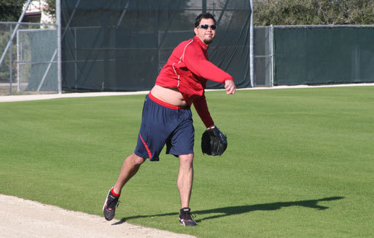 Beckett played catch with Red Sox pitching coach John Farrell early on Tuesday morning.