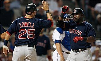 Mike Lowell (left) and David Ortiz