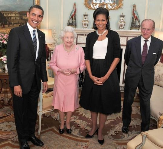 The Obamas hobbitize the Queen in protocol faux pas