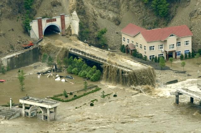 Un pequeño problema con el drenaje longitudinal de un túnel en China