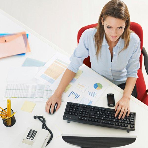 """Résultat de recherche d'images pour """"femme travaille heureuse"""""""