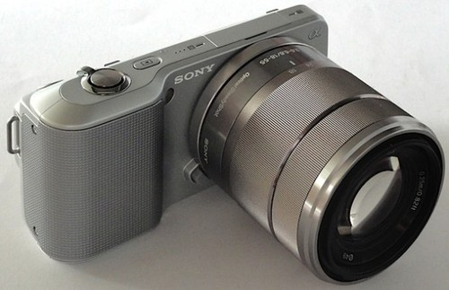 Sony EVIL NEX 3 Looks Freaky, But Brings  Great Specs