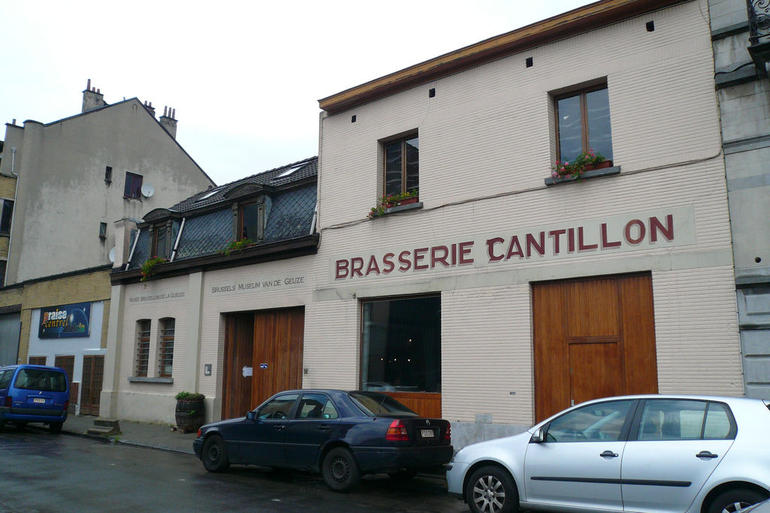 https://i2.wp.com/cache.graphicslib.viator.com/graphicslib/media/ef/cantillon-brewery-gueuze-museum-photo_1394927-770tall.jpg