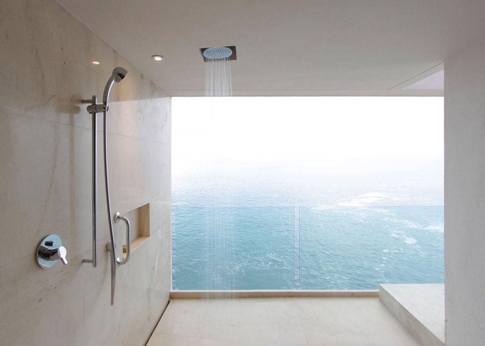 bac de douche et receveur de douche