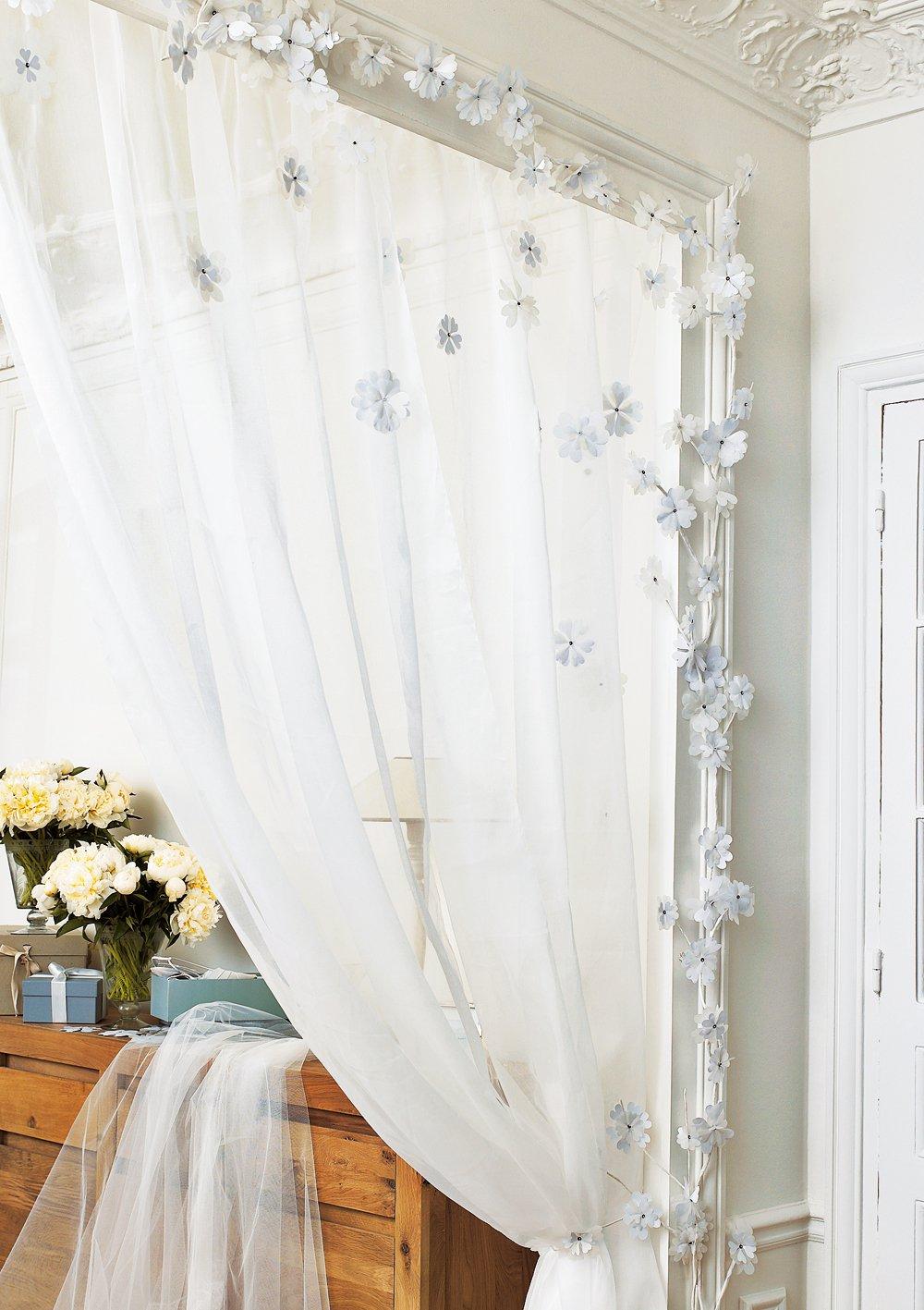 un rideau en organdi fleuri marie claire