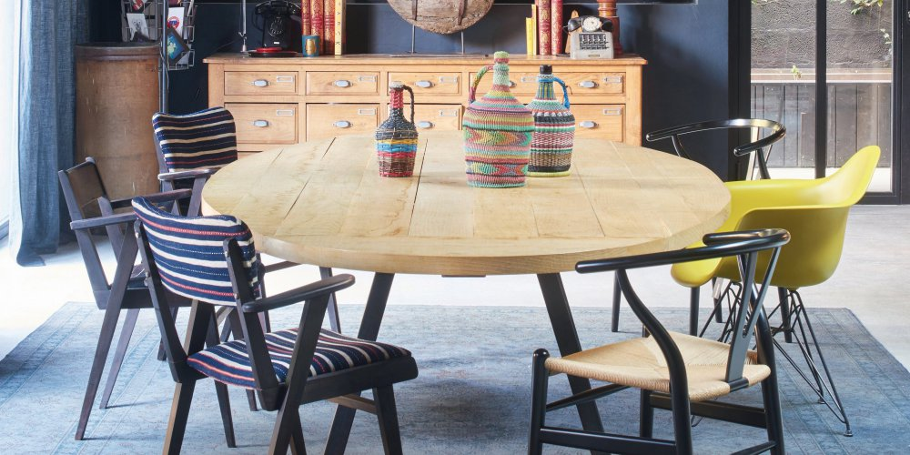 la bonne combinaison pour une salle a manger vintage garder des elements anciens melanges a des meubles chines et a du mobilier design du xxe siecle
