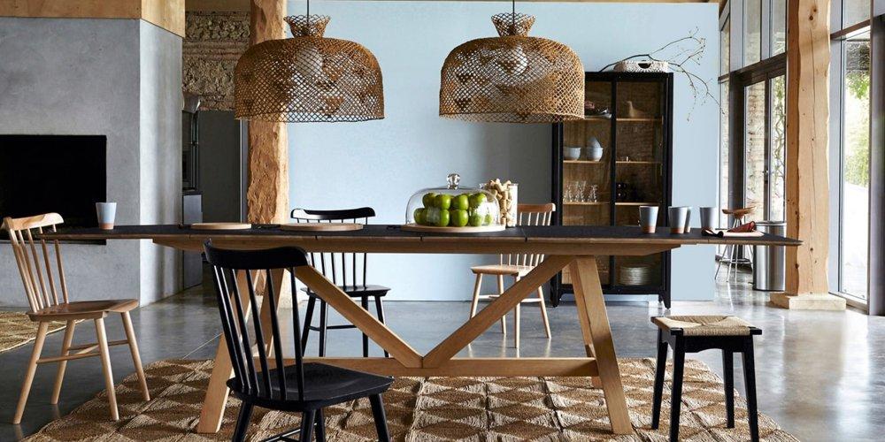 dans une salle a manger ou une cuisine ouverte la table a manger se doit d etre confortable et suffisamment spacieuse pour accueillir vos convives sans