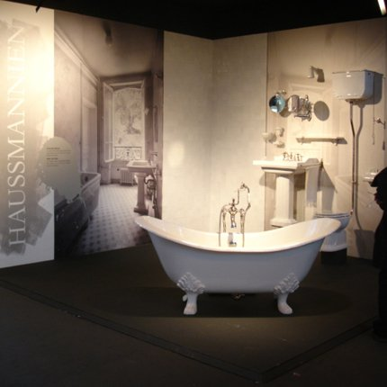 salle de bains style haussmannien avec baignoire en fonte imperiale 180 un melangeur b