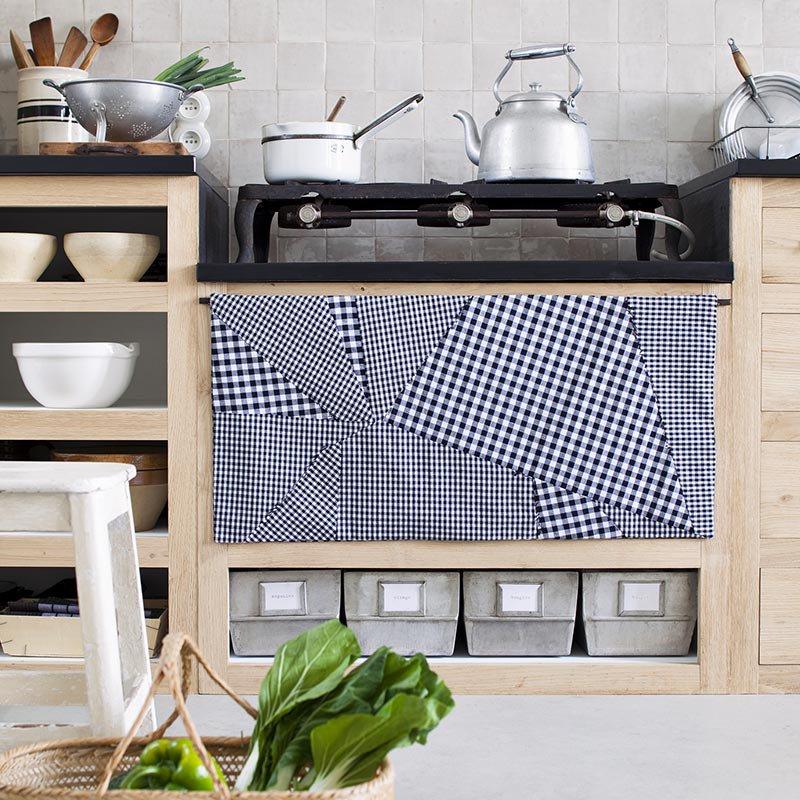 un rideau de cuisine effet patchwork