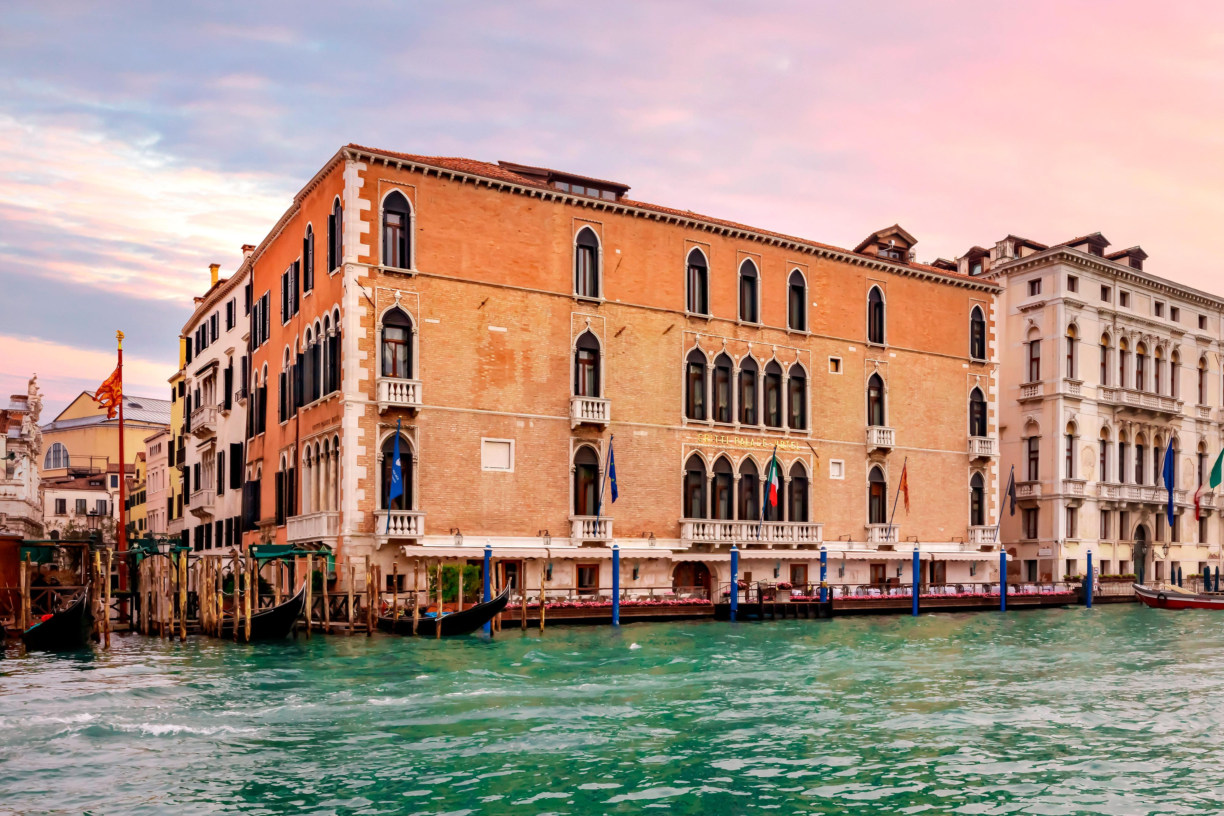 Pictures Of Hotels In Or Near Venice Take A Photo Tour