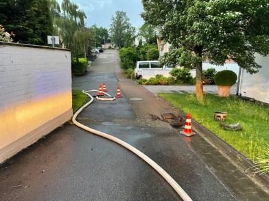 FW-GL: Erhebliche Unwetterschäden im Stadtteil Schildgen von Bergisch Gladbach