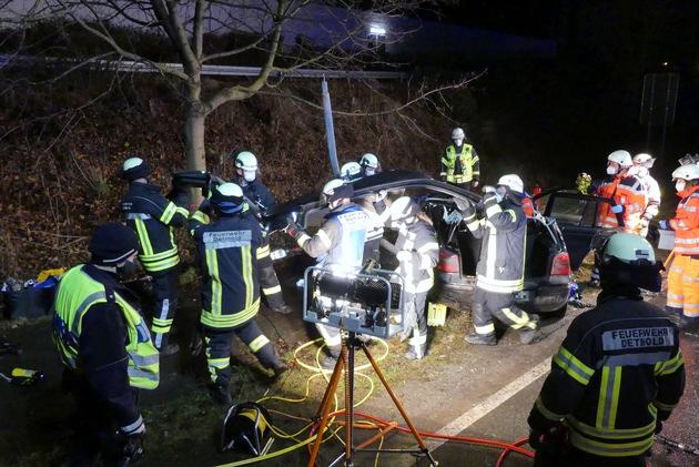 FW-DT: Schwerer Verkehrsunfall am Dienstagabend