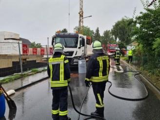 FW Königswinter: Unwetter und Paralleleinsätze beschäftigen Feuerwehr in Königswinter