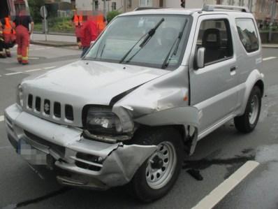 POL-ME: Zusammenstoß im Gegenverkehr mit 2,2 Promille - Velbert - 2106029