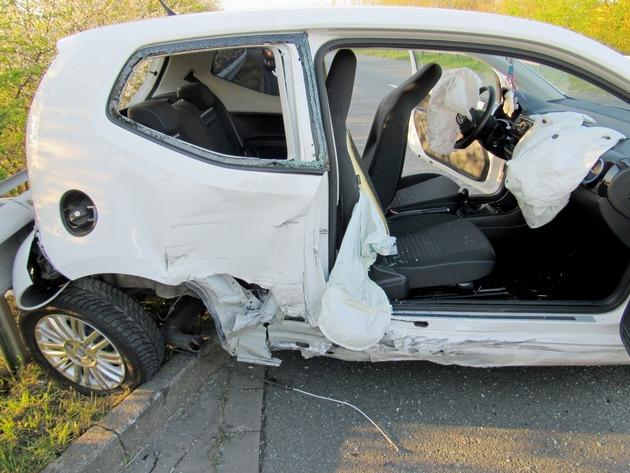 POL-ME: Zusammenstoß im Gegenverkehr - eine Person schwer verletzt - Haan - 2004030