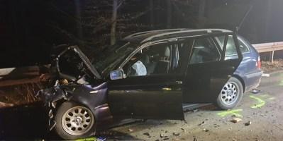 FW Lügde: Verkehrsunfall mit eingeklemmter Person