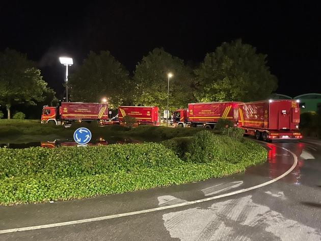 FW-MH: Feuerwehr Mülheim unterstützt bei Trinkwassernotversorgung