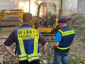 FW-PL: THW und Feuerwehr sichern an Else gelegenes Gebäude vor Unterspülung